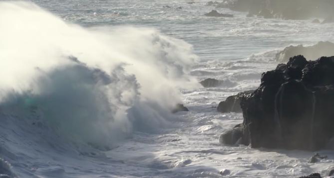 Video - La houle se donne en spectacle sur les côtes réunionnaises