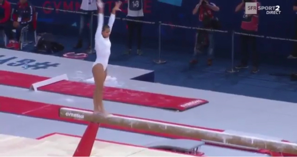 La gymnaste Réunionnaise Marine Boyer décroche l'argent aux internationaux de France.