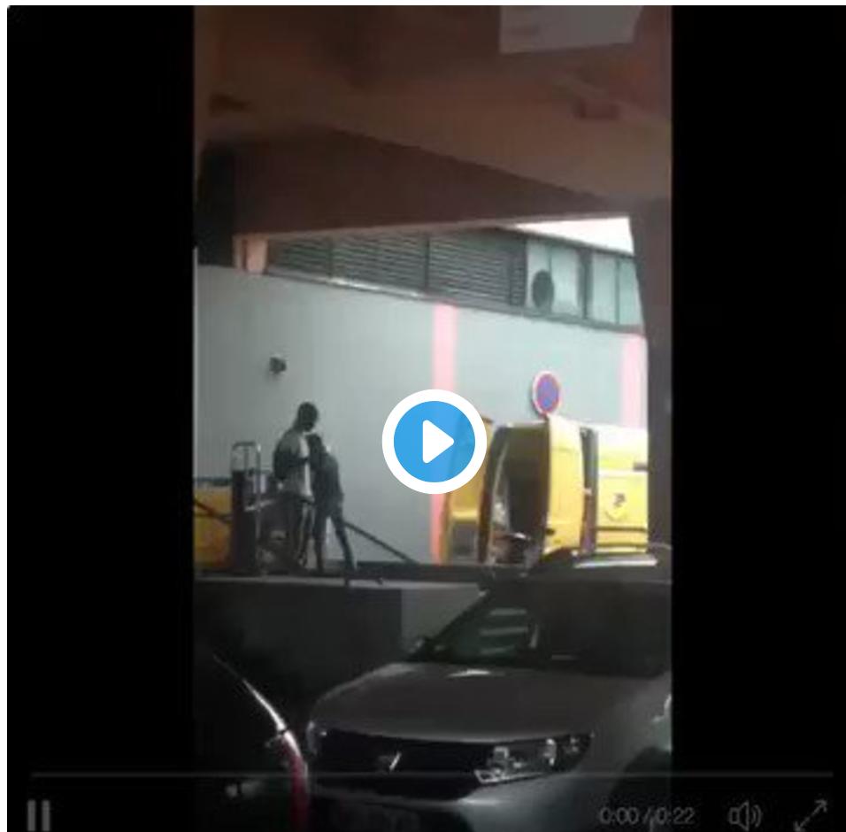 Vidéo Buzz la Poste